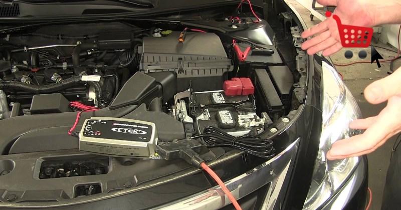 auto-akkumulator-tolto-karbantarto