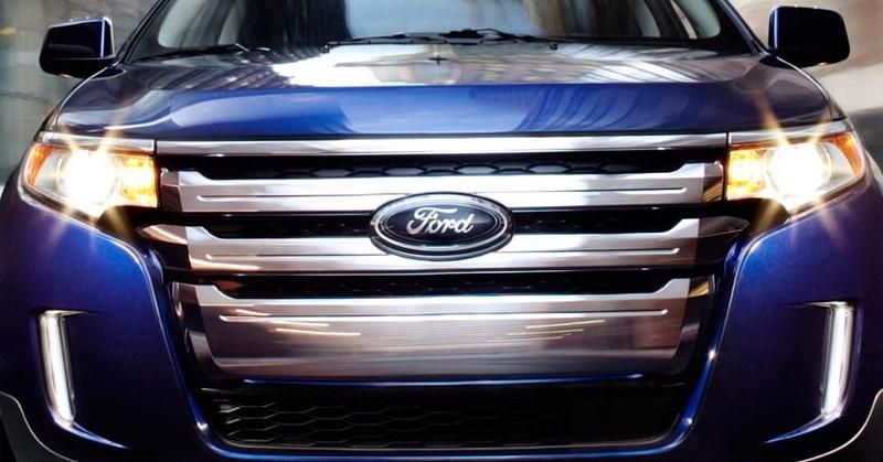 Ford autóval a szervizbe Szegeden